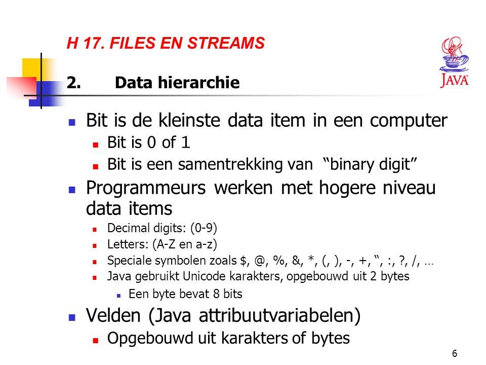 17 Voorbeeld 1 Gegevens uit een file lezen: Met FileReader kan je een file openen om de karakters te lezen, maar hiermee kan je geen regels tekst lezen Met BufferedReader kan je regels tekst lezen maar kan je geen file openen om te lezen Oplossing:  Combineer FileReader en BufferedReader  Dit heet wrapping van stream objecten: de services van de ene stream worden toegevoegd aan de andere stream.