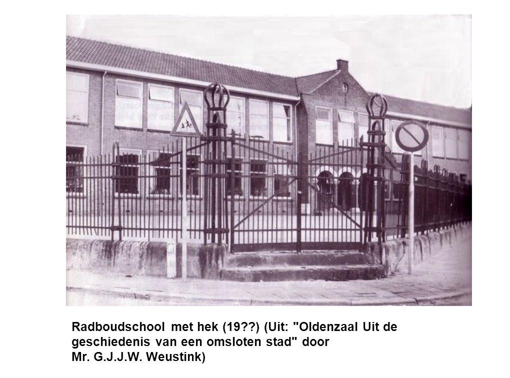 Luchtfoto Radboudschool rond 1975.