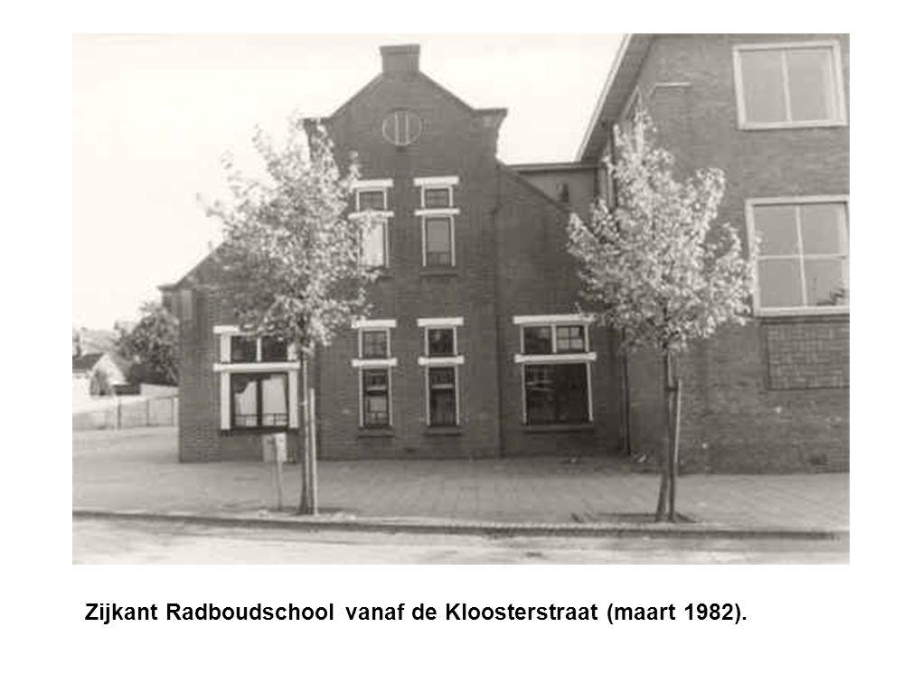 Achterkant Radboudschool vanaf de Kloosterstraat (1982).