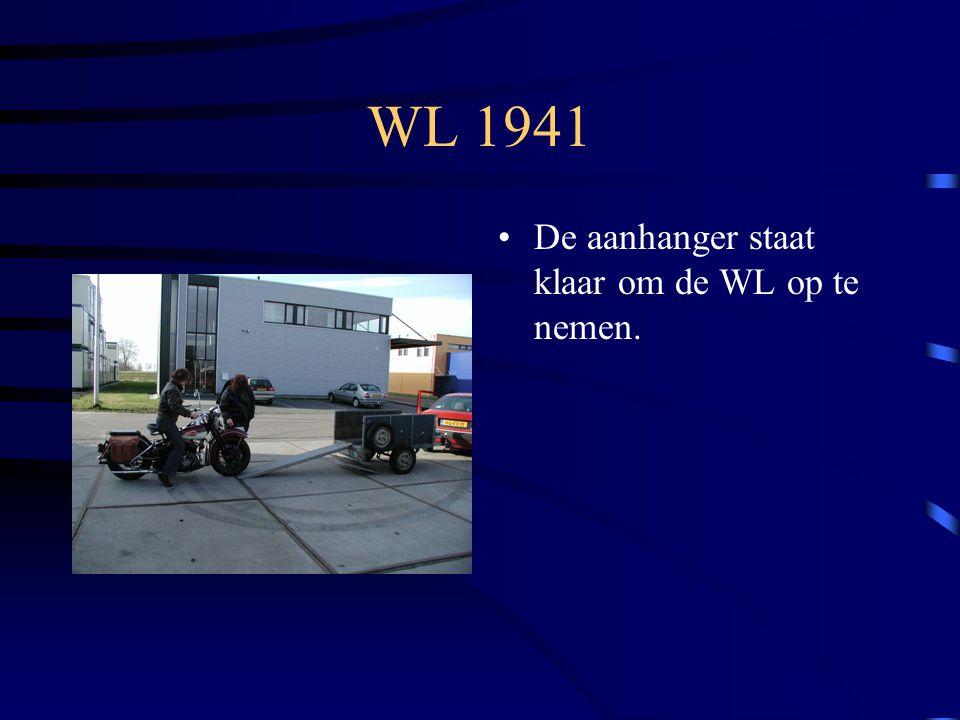 WL 1941 De aanhanger staat klaar om de WL op te nemen.