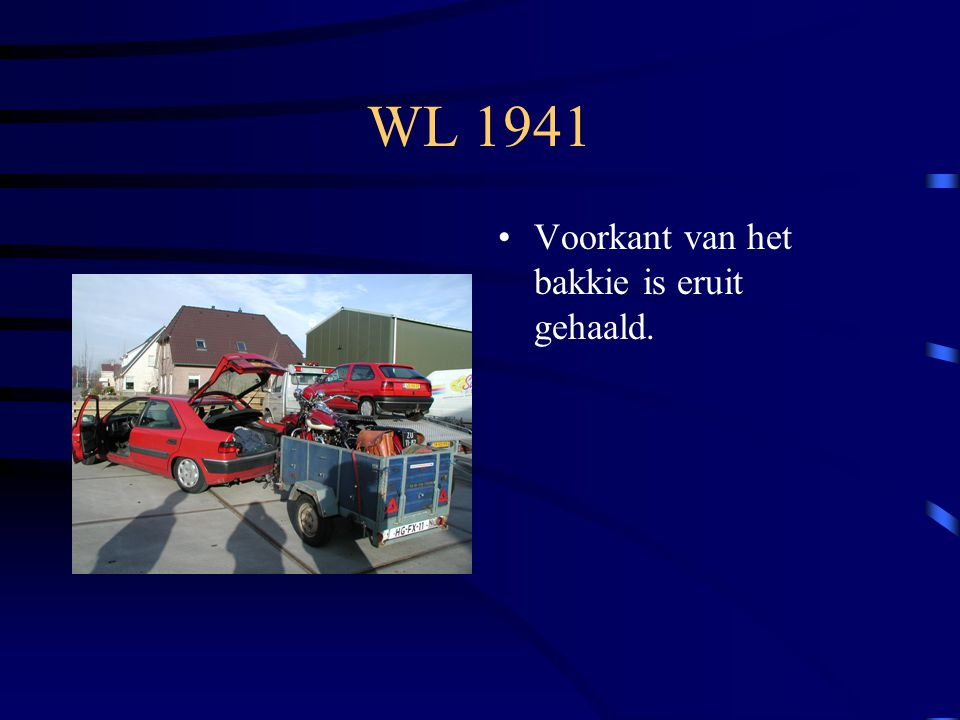 WL 1941 Voorkant van het bakkie is eruit gehaald.