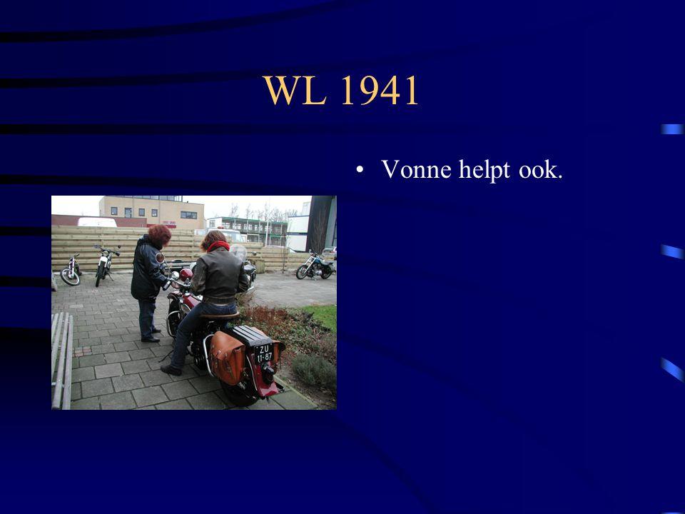 WL 1941 Zadel wordt gewisseld voor een zwart exemplaar.