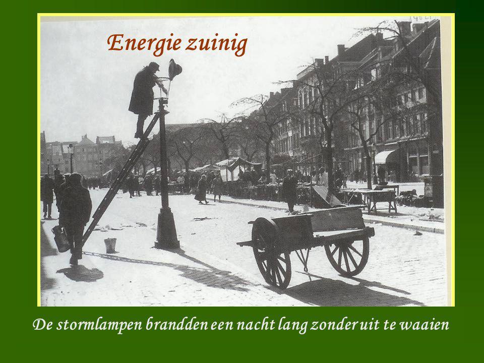 Lantaarn opsteker Energie zuinig De stormlampen brandden een nacht lang zonder uit te waaien