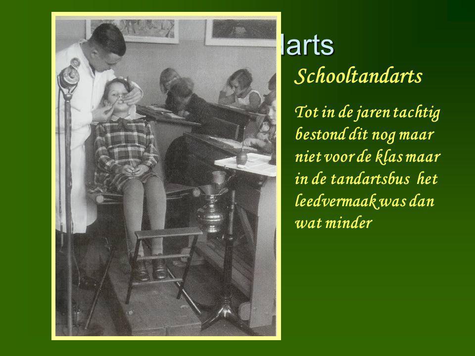 Schooltandarts Schooltandarts Tot in de jaren tachtig bestond dit nog maar niet voor de klas maar in de tandartsbus het leedvermaak was dan wat minder