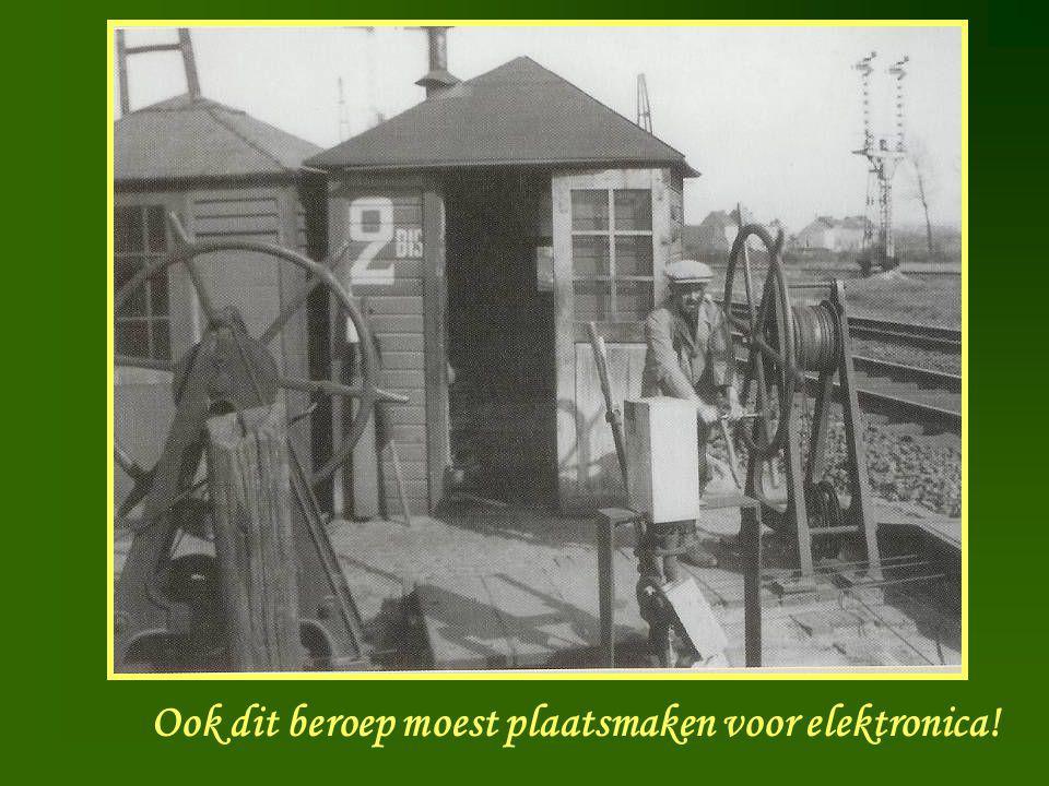 Spoorbomen Ook dit beroep moest plaatsmaken voor elektronica!