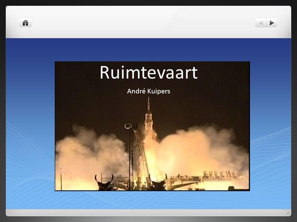 De Sojoez raket brengt astronauten van en naar het ISS. Er passen maar 3 bemanningsleden in.
