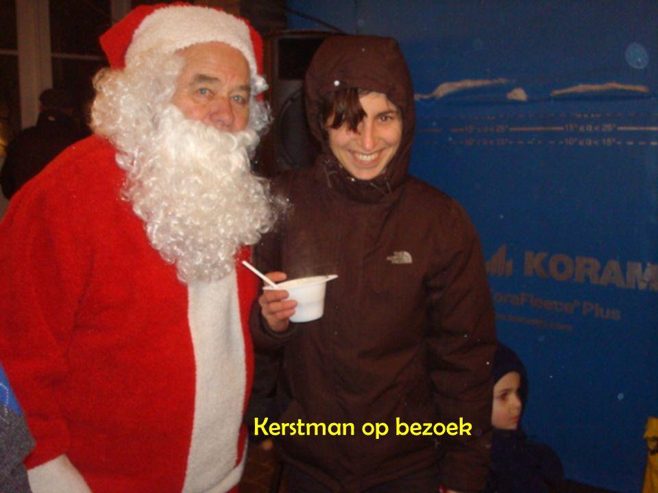 Multiculturele kerstmarkt in Klein-Begijnhof