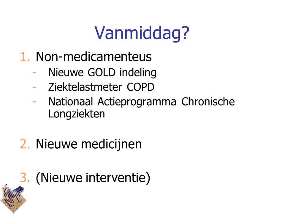 Astma studie met tiotropium 912 patiënten met ernstig astma alle medicijnen gewoon doorgebruikt daarbij tiotropium erbij of placebo (nepmedicijn) jaar lang doorgebruikt   verbetering long functie.
