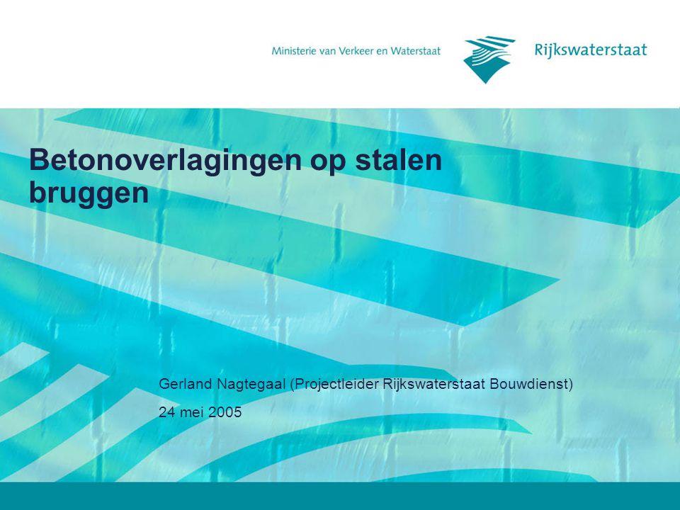 24 mei 2005 Betonoverlagingen op stalen bruggen12 Afwerking van de overlaging Schuren van de overlagingNathouden van de overlaging Beperking van krimp(scheuren)!