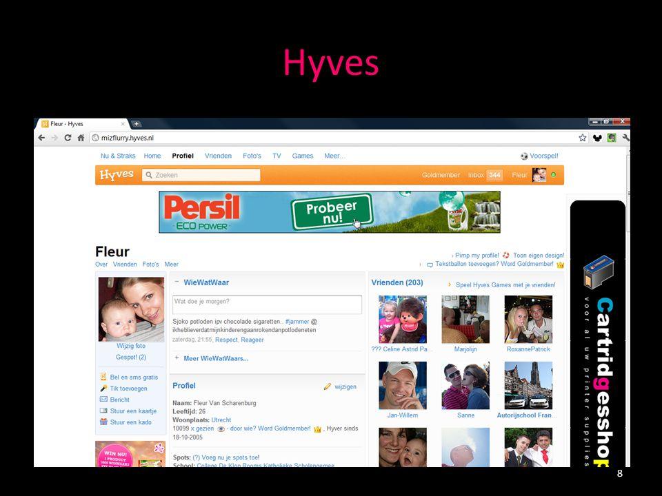 Sociale netwerken - LinkedIn Grootste professionele online netwerk ter wereld > 120 miljoen leden in meer dan 200 landen > 2 miljoen Nederlandse leden LinkedIntaal -Profile - Jobs -Connections- Recommendations -Groups 9