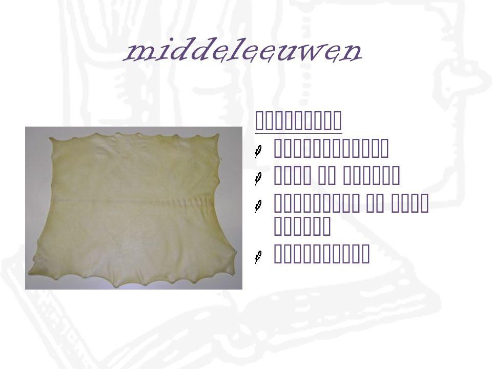 China & papier papier in plaats van papyrus stukken stof in water brij werd aangeklopt uit het water en gezeefd na drogen = papier