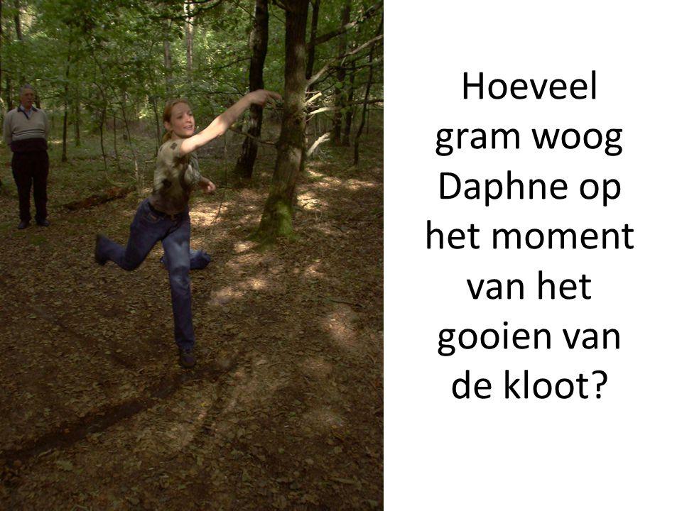 Hoeveel gram woog Daphne op het moment van het gooien van de kloot
