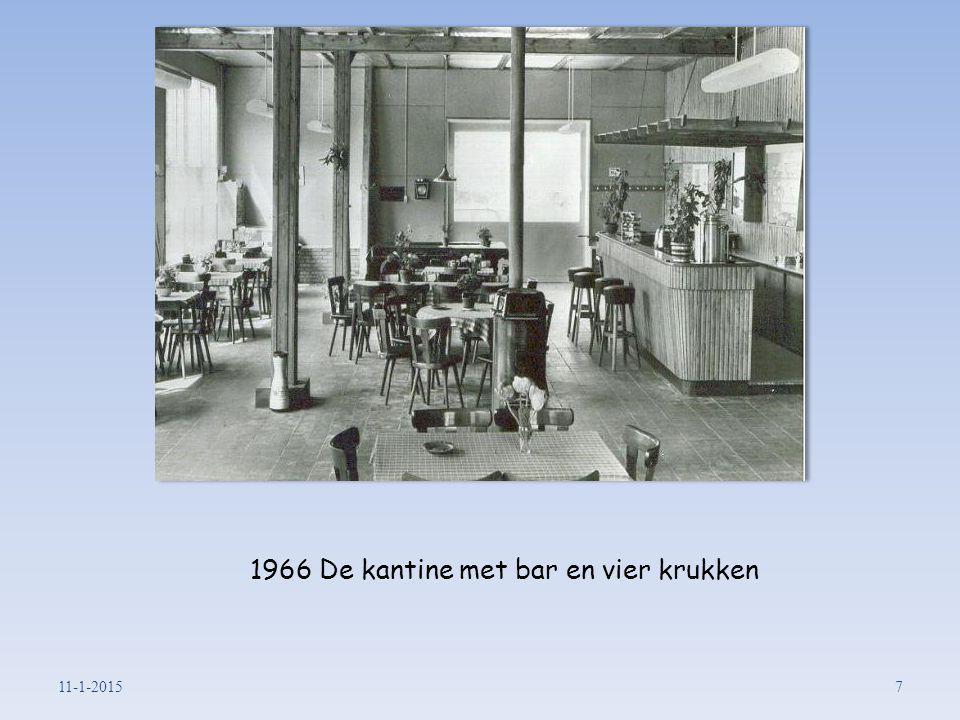 1966 De kantine met bar en vier krukken 11-1-20157