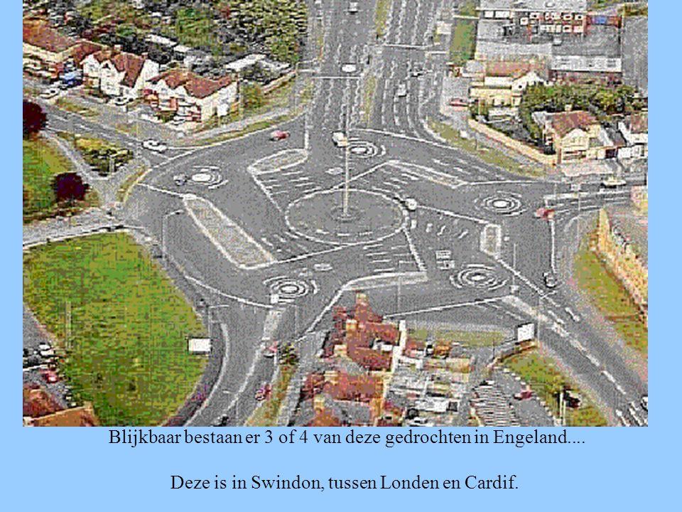 Blijkbaar bestaan er 3 of 4 van deze gedrochten in Engeland.... Deze is in Swindon, tussen Londen en Cardif.