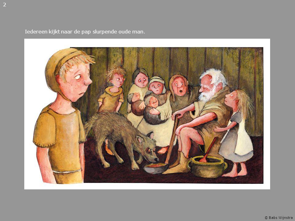 Iedereen kijkt naar de pap slurpende oude man. 2 © Babs Wijnstra