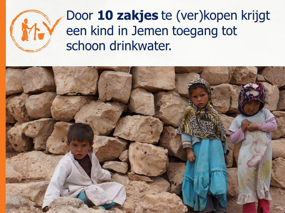 Door 10 zakjes te (ver)kopen krijgt een kind in Jemen toegang tot schoon drinkwater.