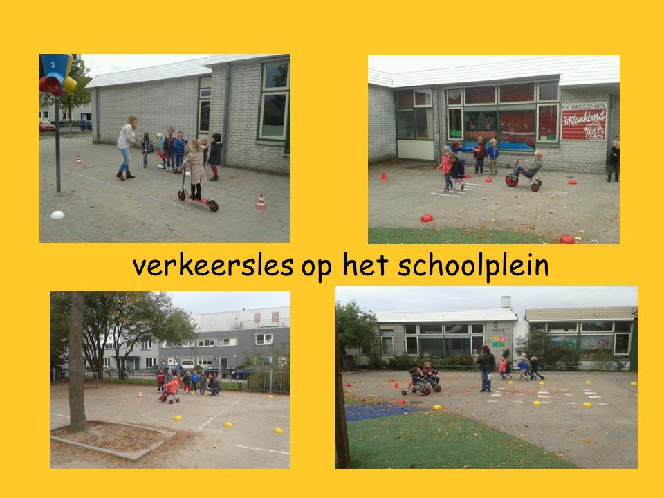 verkeersles op het schoolplein