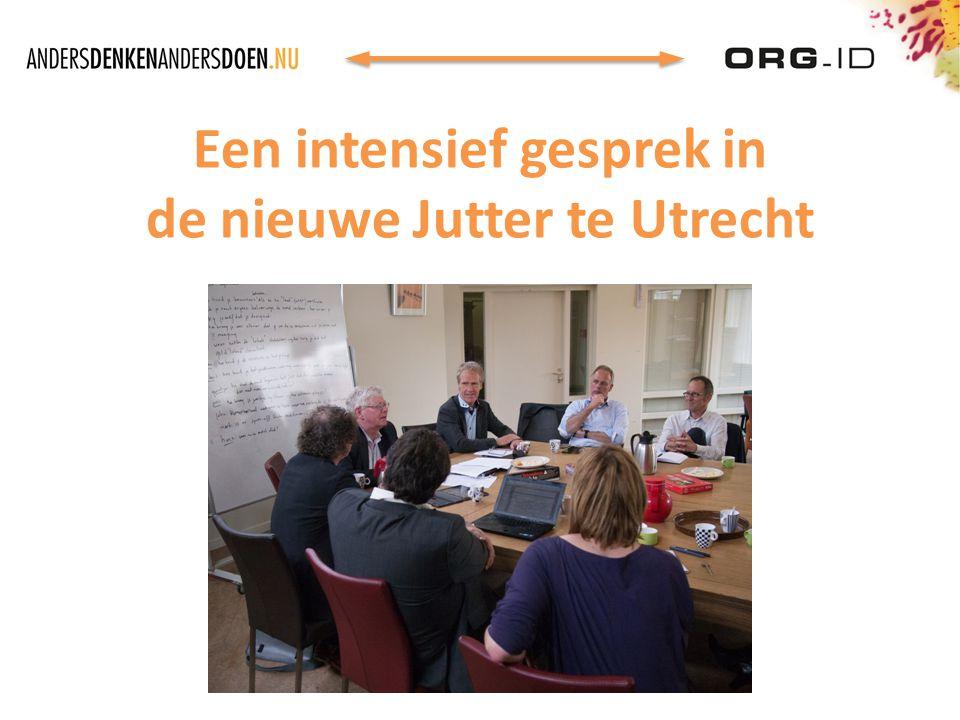 Een intensief gesprek in de nieuwe Jutter te Utrecht