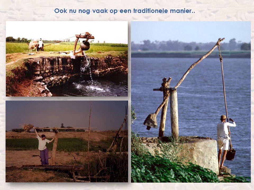 Gevolgen irrigatielandbouw voedseloverschotten: Tijd van jagers en boeren Bijvoorbeeld; 20 boeren produceren het voedsel voor 25 mensen.