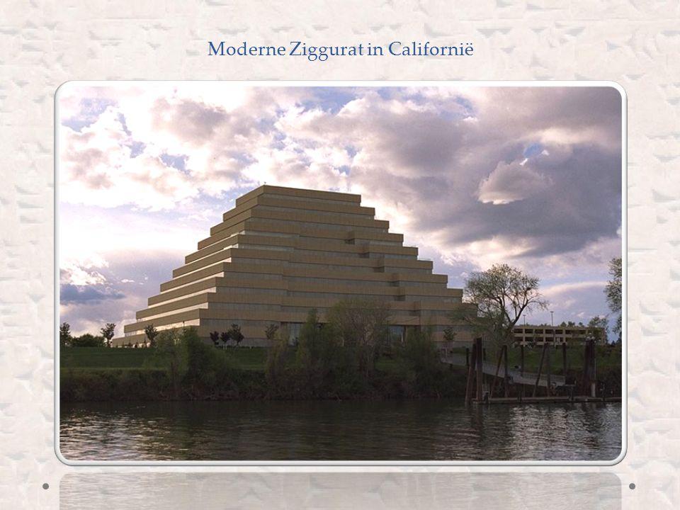 De Ziggurat bij de tempel van Mardoek, de voornaamste god van Babylonië (koninkrijk in Mesopotamië van 1800-539 v.