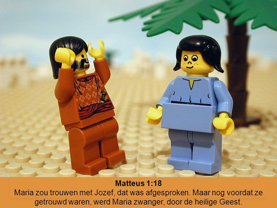 Matteus 1:18 Maria zou trouwen met Jozef, dat was afgesproken. Maar nog voordat ze getrouwd waren, werd Maria zwanger, door de heilige Geest.