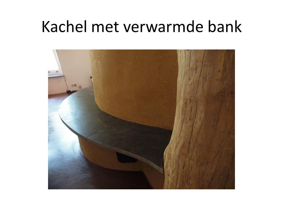Kachel met verwarmde bank