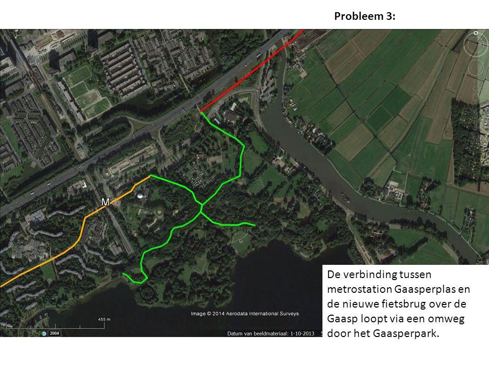 De verbinding tussen metrostation Gaasperplas en de nieuwe fietsbrug over de Gaasp loopt via een omweg door het Gaasperpark.