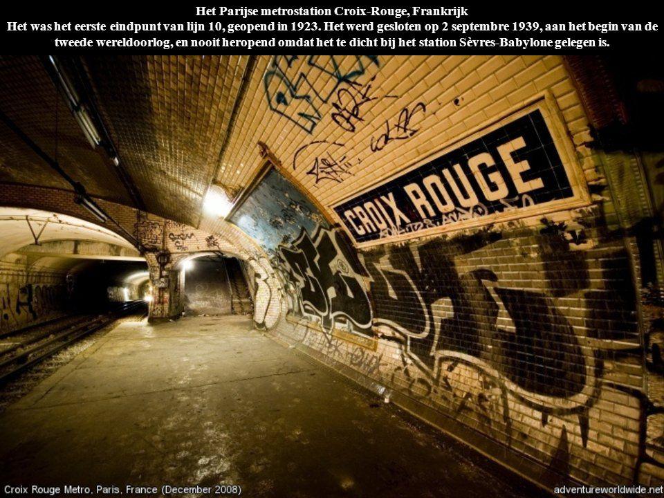 Het Parijse metrostation Croix-Rouge, Frankrijk Het was het eerste eindpunt van lijn 10, geopend in 1923. Het werd gesloten op 2 septembre 1939, aan h