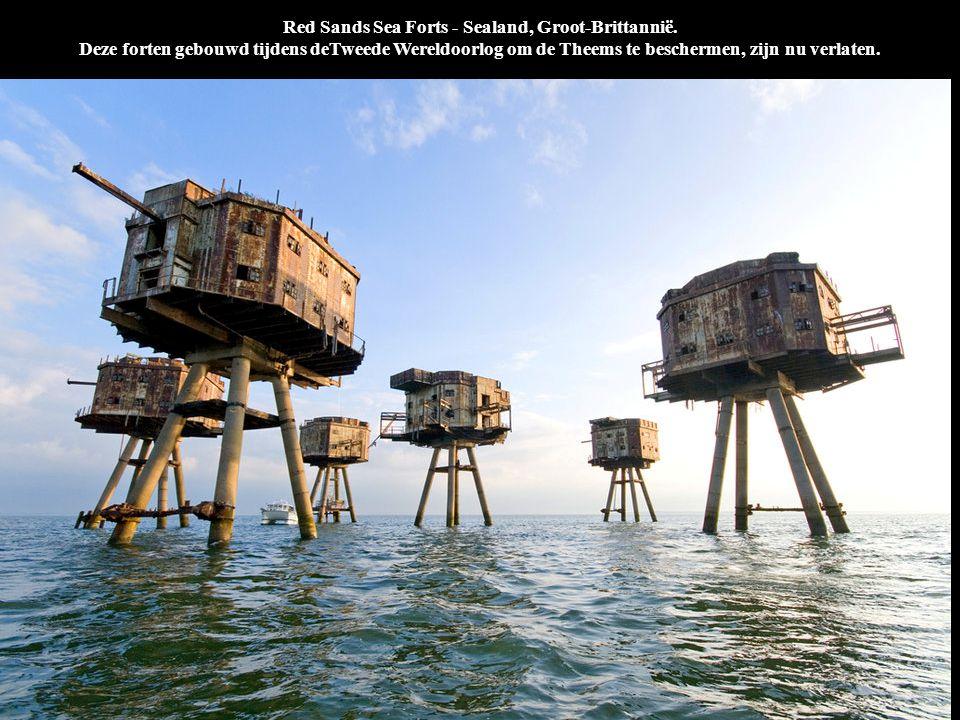 Red Sands Sea Forts - Sealand, Groot-Brittannië. Deze forten gebouwd tijdens deTweede Wereldoorlog om de Theems te beschermen, zijn nu verlaten.