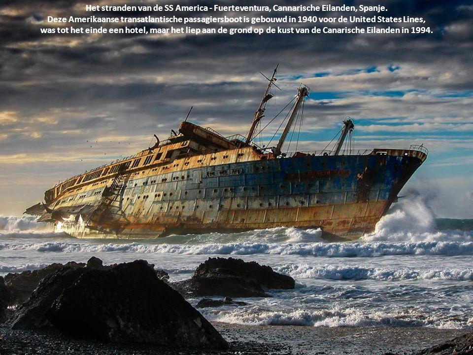 Het stranden van de SS America - Fuerteventura, Cannarische Eilanden, Spanje. Deze Amerikaanse transatlantische passagiersboot is gebouwd in 1940 voor