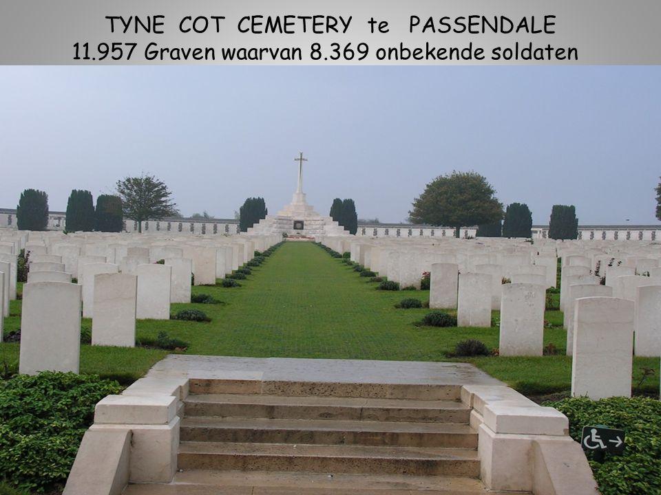 TYNE COT CEMETERY te PASSENDALE 11.957 Graven waarvan 8.369 onbekende soldaten