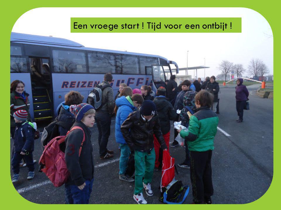 DRIEDAAGS BEZOEK AAN SAINT-VICTOR-DE- BUTHON APRIL 2013 Een samenwerking tussen het verbroederingscomité en het vijfde leerjaar VBS De Krekel Roesbrug