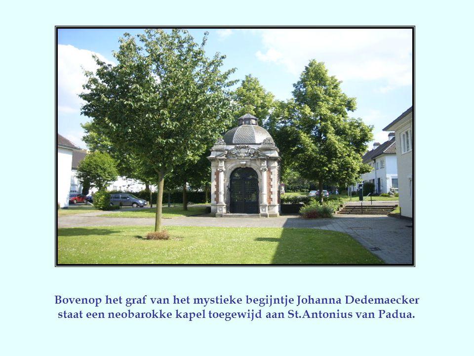 Van het oude begijnhof, gesticht in 1261,blijft er naast het tracé weinig meer over dan de St.Catharinakerk, een zeldzaam voorbeeld van klassieke kerk