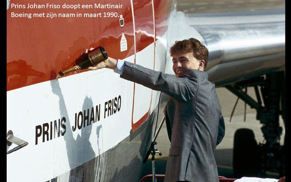 Prins Johan Friso doopt een Martinair Boeing met zijn naam in maart 1990.