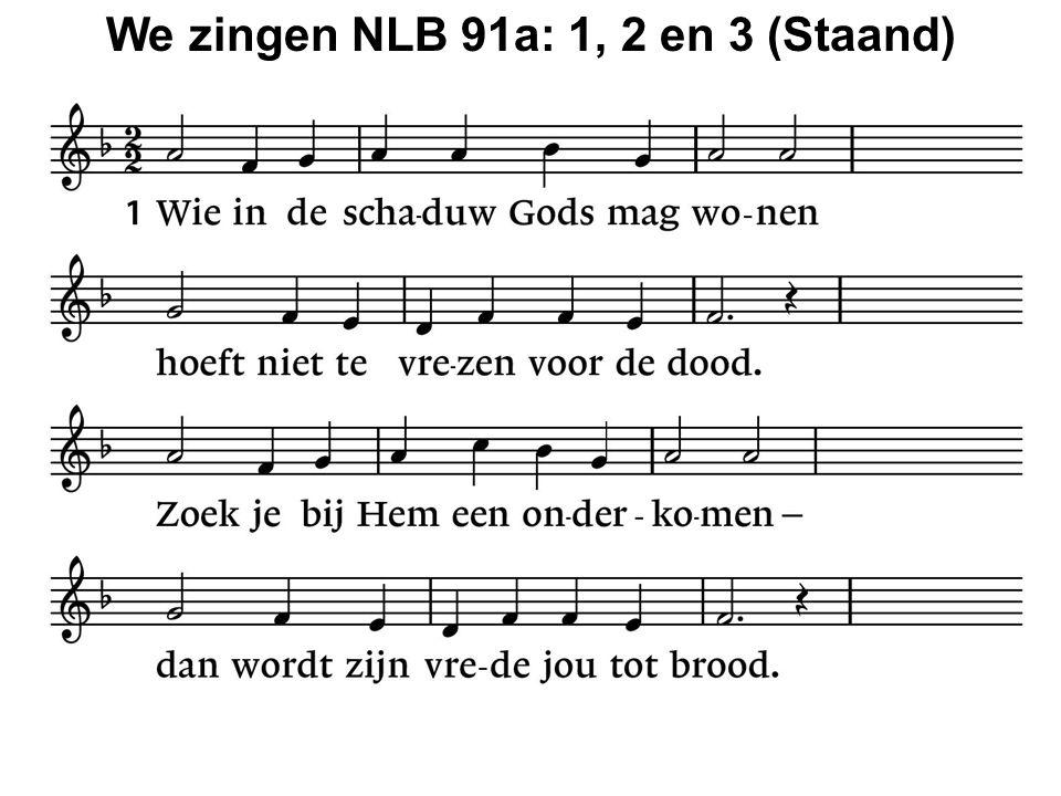 We zingen het Projectlied: Met open handen Met open handen laat ik weten wie ik ben, wat ik verwacht: God zal mensen niet vergeten, Hij geeft open handen kracht.
