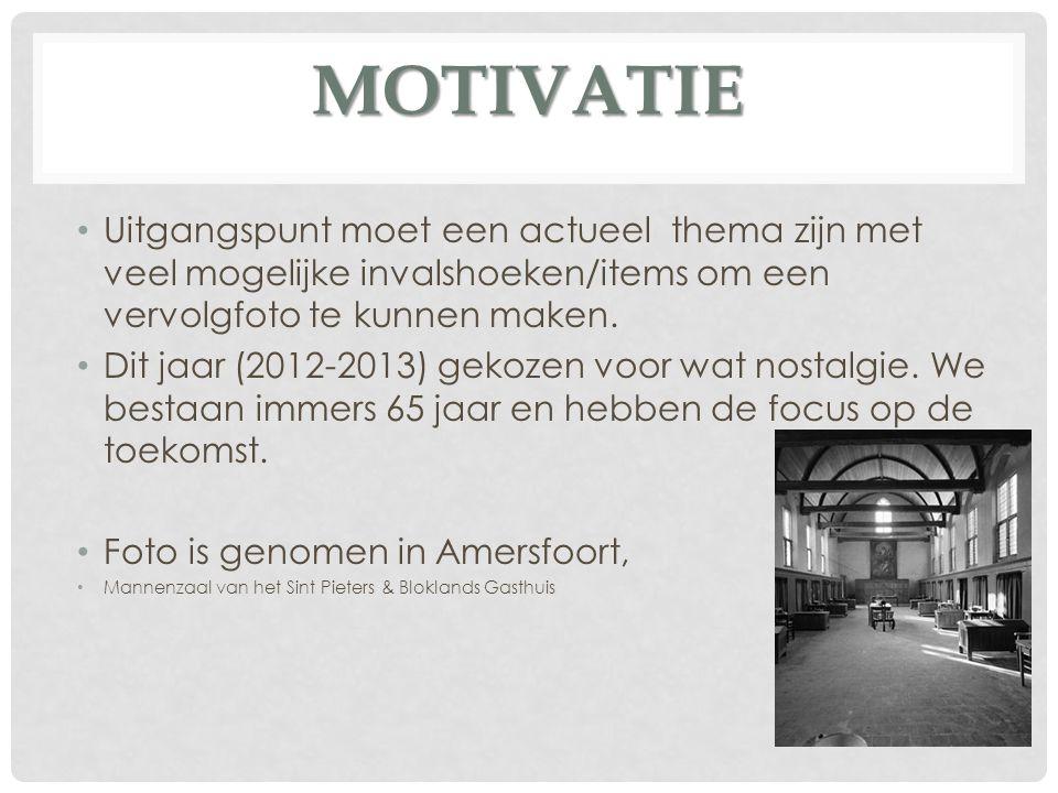 MOTIVATIE Hoewel de sfeer van beide foto s verschillend is zijn er parallellen te vinden.