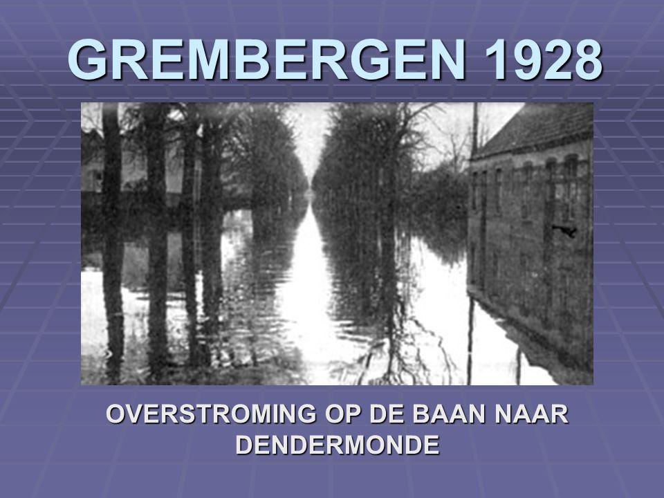 BRUSSEL 1927 DENDERMONDSE REUZEN TIJDENS OPTOCHT IN BRUSSEL