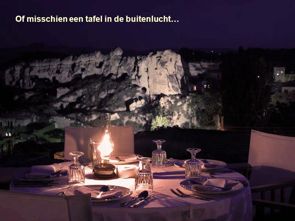 Een eetzaal in een luxegrot !