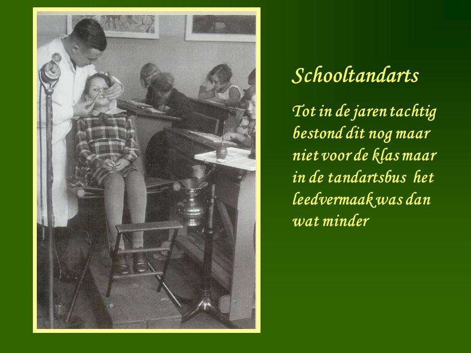 Schooltandarts Tot in de jaren tachtig bestond dit nog maar niet voor de klas maar in de tandartsbus het leedvermaak was dan wat minder