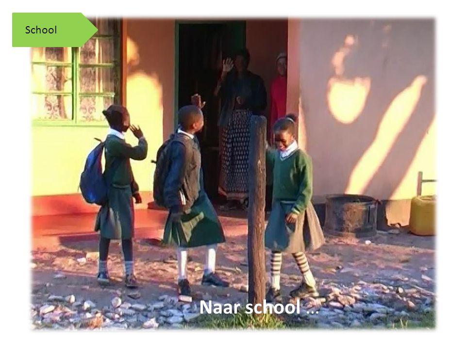 Naar school … School