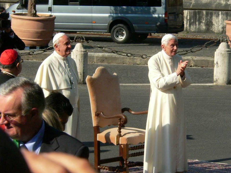 Paus Franiscus wijdt het Vaticaan toe aan aartsengel Michaël en aan Sint Jozef.