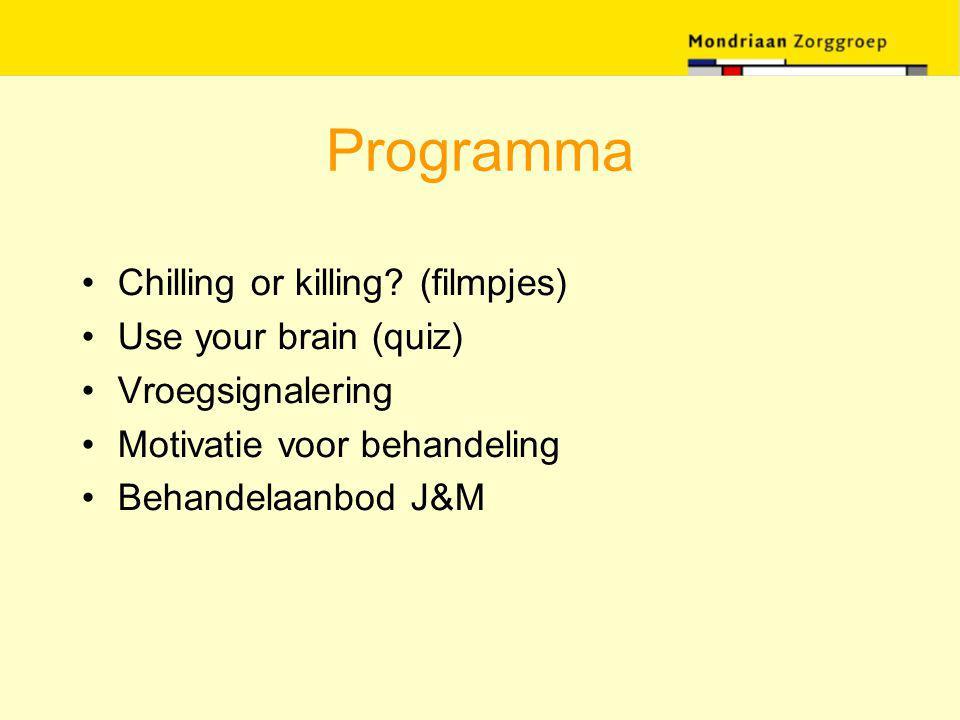 Motiverende gespreksvoering Gespreksattitude -motivatie komt uit de patiënt, niet van buitenaf -het is de taak van de patiënt zijn/haar ambivalenties op te lossen -de gesprekstoon en tempo zijn rustig en uitnodigend -directe overreding helpt hierbij niet -wel directief in helpen om ambivalentie te onderzoeken en op te lossen -motivatie is geen 'trait' maar fluctueert met de interpersoonlijke interactie -geen doctor-centered houding maar (gespreks)partner Miller & Rollnick (1999)