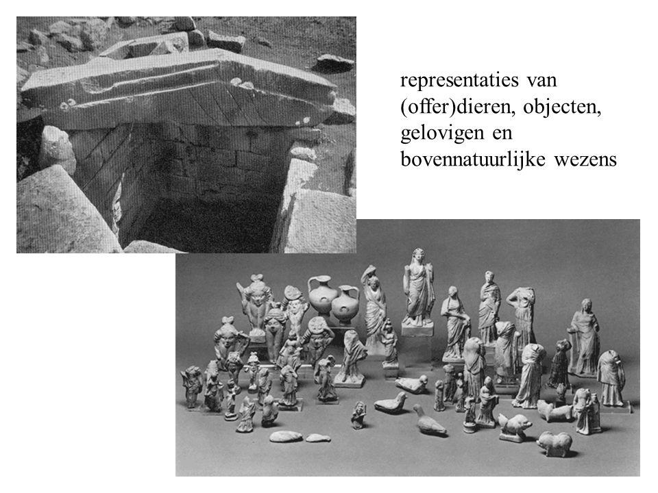 representaties van (offer)dieren, objecten, gelovigen en bovennatuurlijke wezens