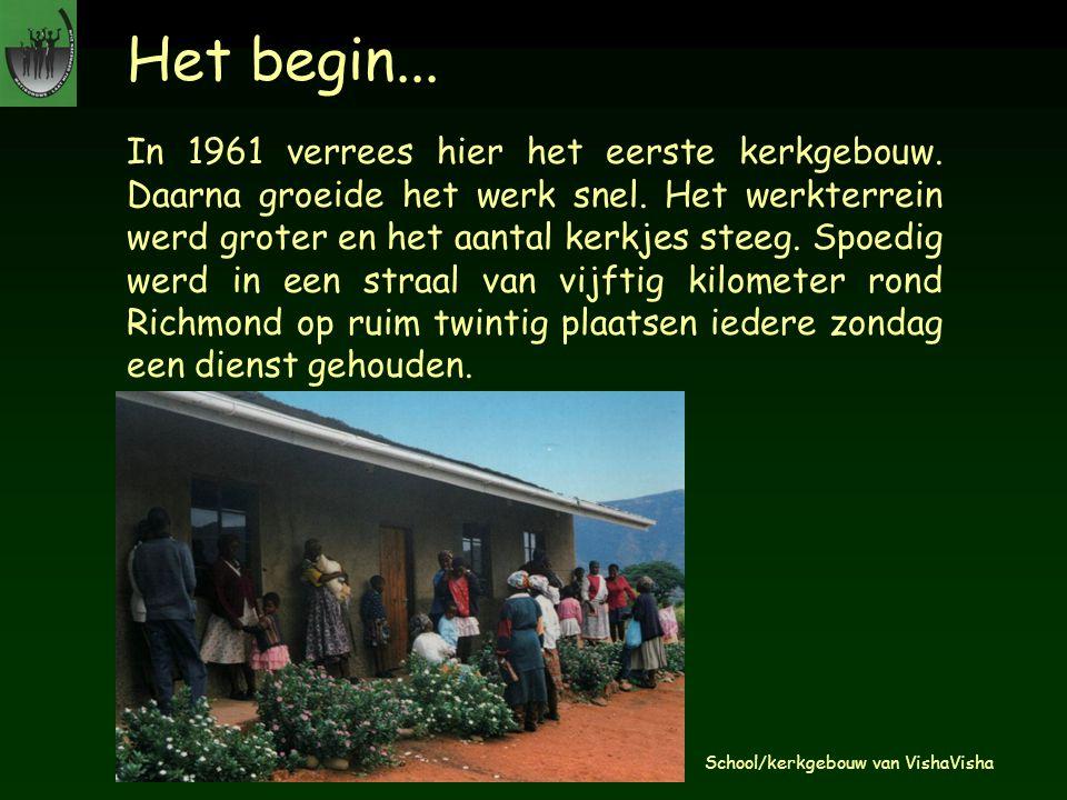 Het begin... In 1961 verrees hier het eerste kerkgebouw. Daarna groeide het werk snel. Het werkterrein werd groter en het aantal kerkjes steeg. Spoedi