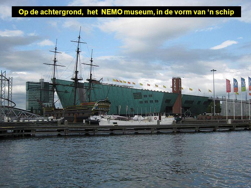 """... Zoals deze replica van het Indisch schip """"Amsterdam"""""""