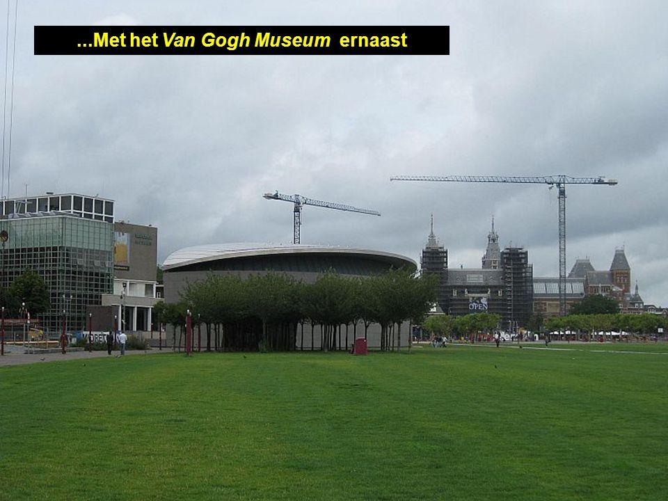 Het Rijksmuseum, met eeuwenoude kunstwerken...