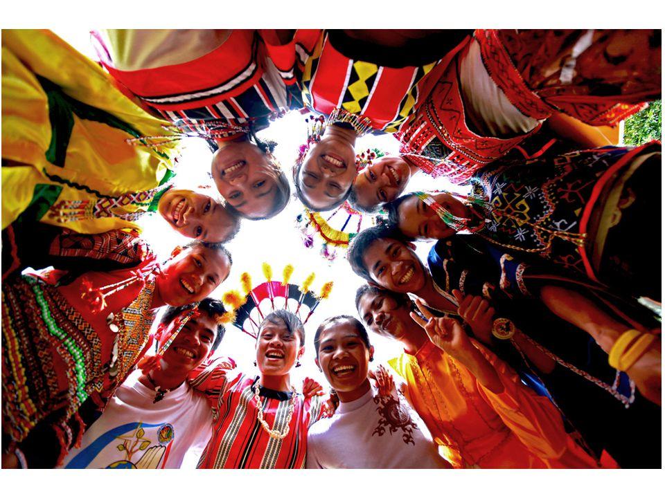 Feiten Archipel: – 1707 eilanden (7x) Hoofdstad: – Manilla Inwoners: – 92.3 miljoen (of toch 100?) Taal: – Tagalog, Engels 300 jaar Spaanse kolonie geweest