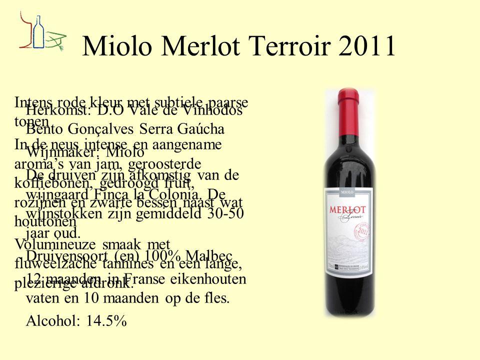 Miolo Merlot Terroir 2011 Herkomst: D.O Vale de Vinhodos Bento Gonçalves Serra Gaúcha Wijnmaker: Miolo De druiven zijn afkomstig van de wijngaard Finc