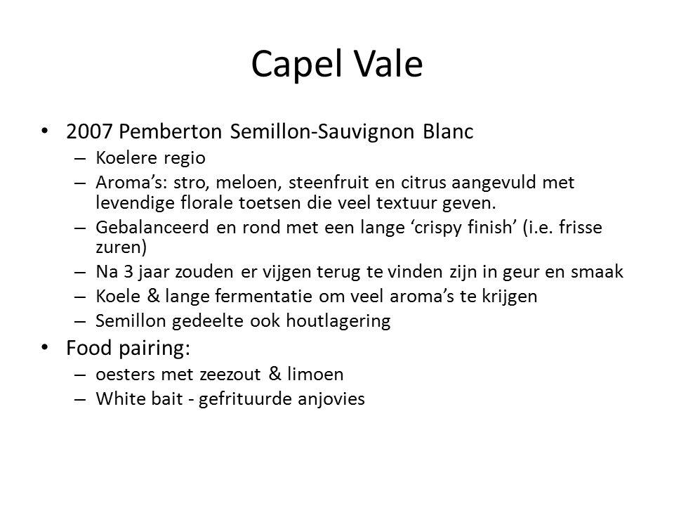 Capel Vale 2007 Pemberton Semillon-Sauvignon Blanc – Koelere regio – Aroma's: stro, meloen, steenfruit en citrus aangevuld met levendige florale toetsen die veel textuur geven.