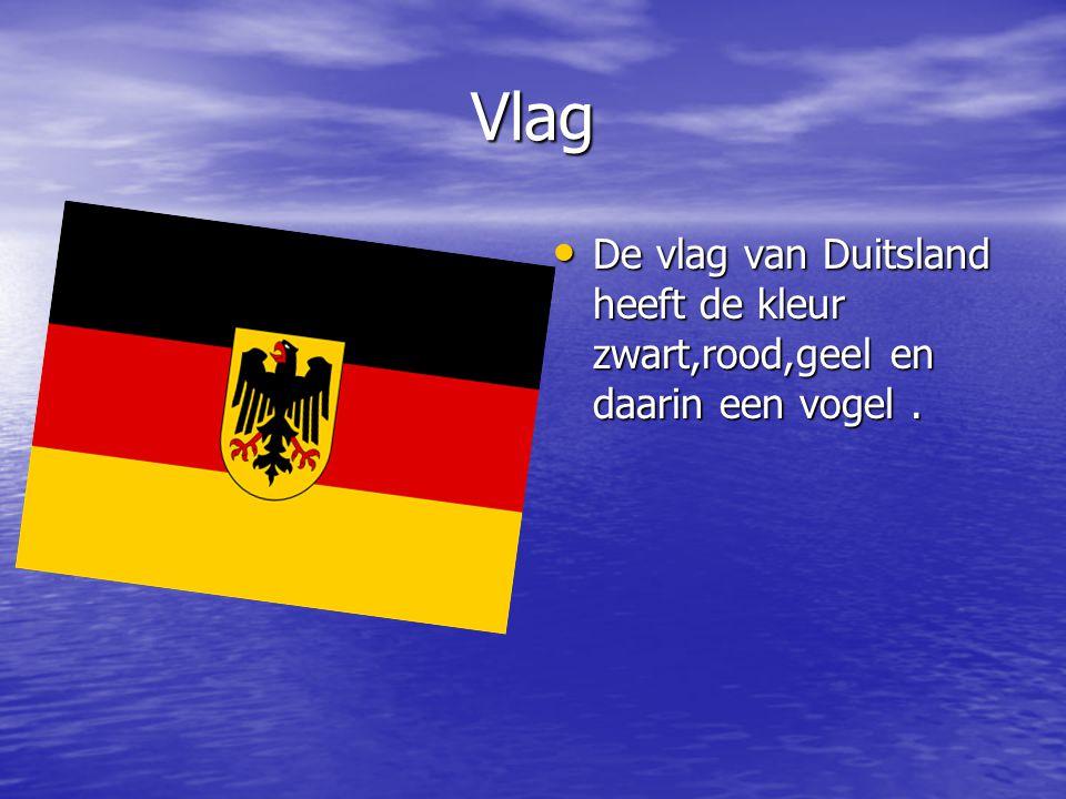 Vlag De vlag van Duitsland heeft de kleur zwart,rood,geel en daarin een vogel. De vlag van Duitsland heeft de kleur zwart,rood,geel en daarin een voge